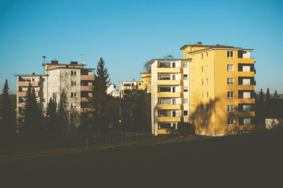 Scenic picture of flats, trees and blue sky